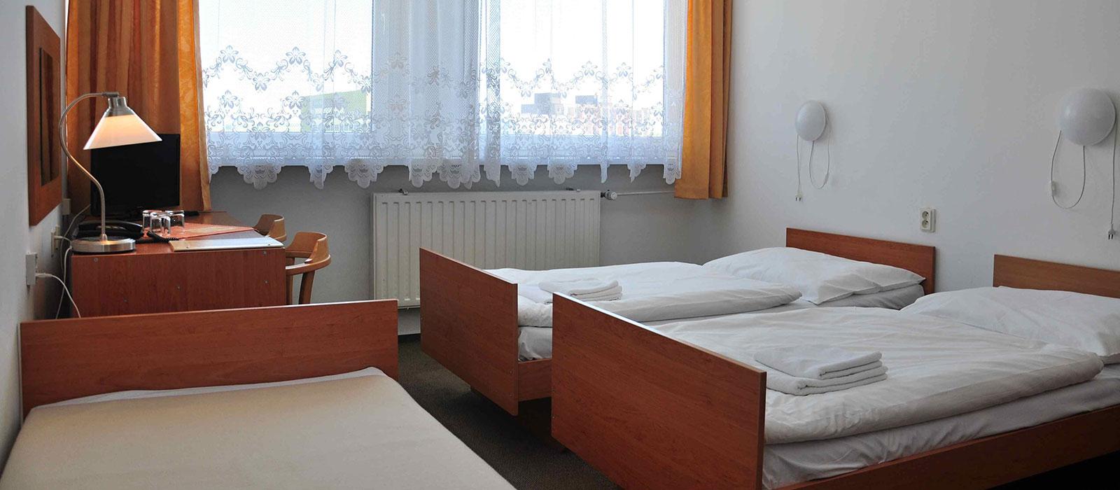 2xdvojpostelova-izba